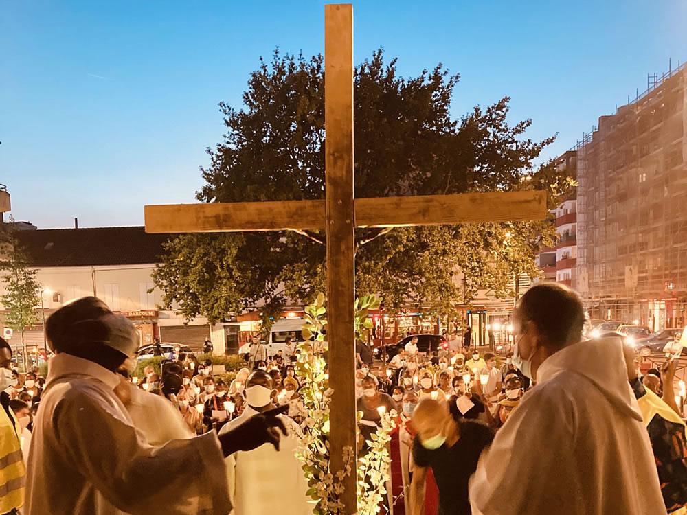 Procession de la Croix Glorieuse